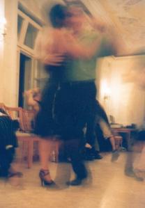 tango-dancers-3-1200466