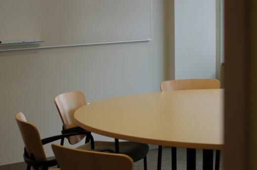 meeting-room-2-1561046-1279x850.jpg