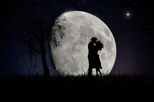 moon-2106892_1280.jpg